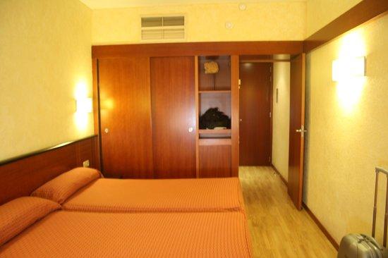 โรงแรมดาร์บี้: Foto de la habitacion