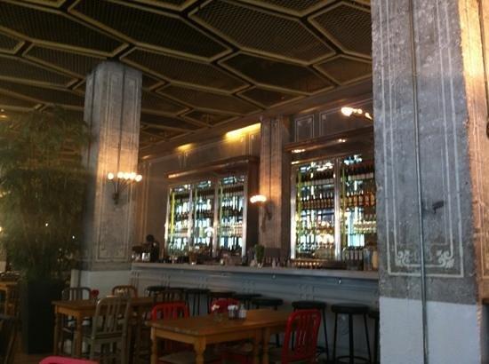 The House Cafe Tesvikiye : le bar