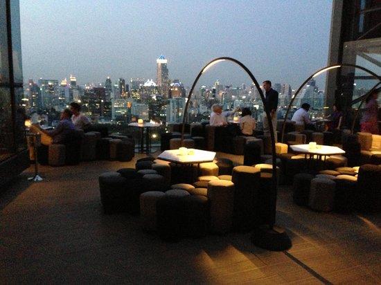 SO Sofitel Bangkok: Amazing rooftop bar!