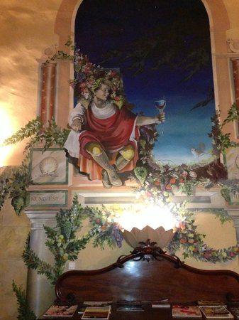 Reads Hotel & Spa: Wall paintings