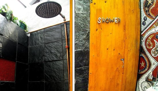 African Heart Backpackers: Showers