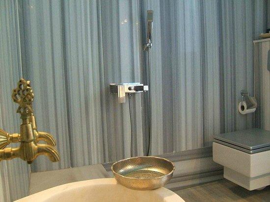 Su Hotel: Suite bathroom with Hamam