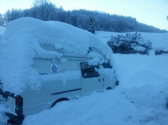 Wirtshaus Hocheck: im winter liegt etwas schnee :)