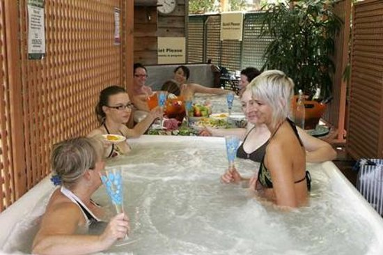 Rainesforest Massage and Day Spa: Relax with friends and organise a group booking at Rainesforest today!
