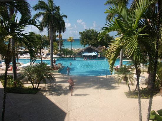 Couples Negril: View from reception over looking pool