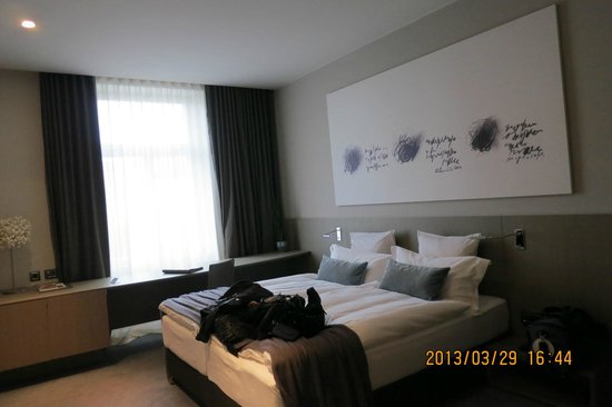Hotel Cubo: Double room 301