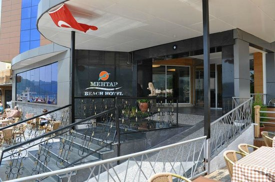 Mehtap Beach Hotel: Hotel Entrance