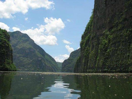 Chiapas Tours Day Tours: Sumidero canyon