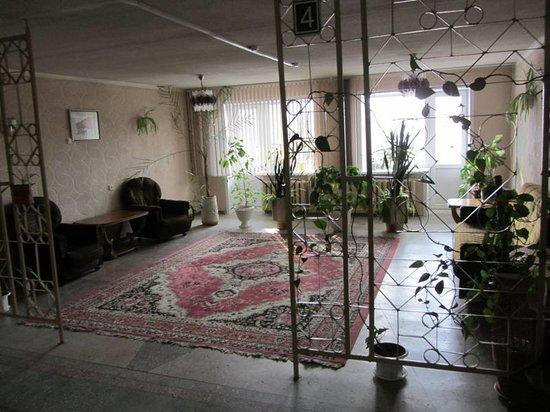 Gostinitsa 40 Let Pobedy: холл 4 этажа