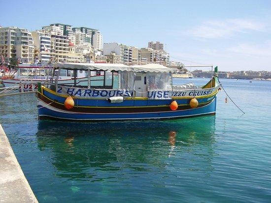 Luzzu Cruises: Some scenes from Harbor Cruise