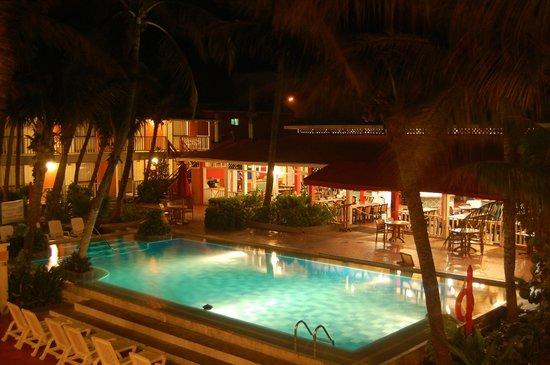 Decameron San Luis: Una de las piscinas del hotel
