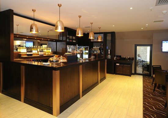 Worsley Park Marriott Hotel & Country Club : Tempo Bar