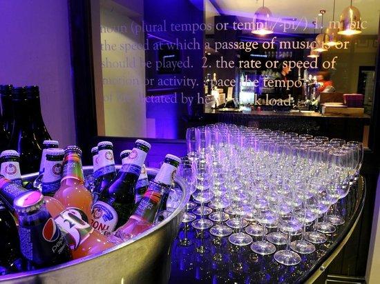 Worsley Park Marriott Hotel & Country Club: Tempo Bar