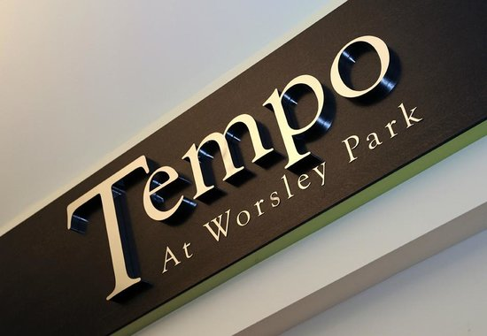 Worsley Park Marriott Hotel & Country Club: Tempoo Bar