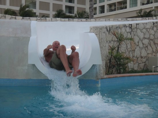 The Westin Lagunamar Ocean Resort Villas & Spa: slide is not just for kids!
