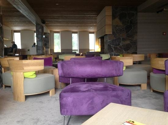 Hotel du Golf: main lounge