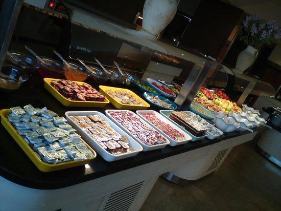 Mustafa Hotel: Buffet
