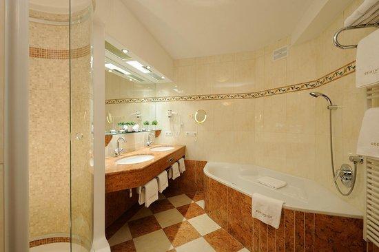 Edelweiss Grossarl: Badezimmer
