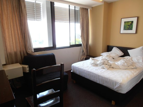 Broadway Hotel Singapore: Room