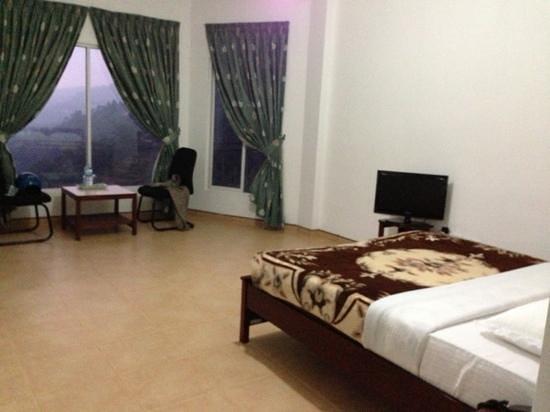 Thuruliya Lodge: room
