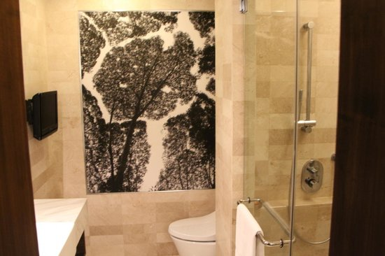 shower with bench - Picture of GTower Hotel, Kuala Lumpur - TripAdvisor