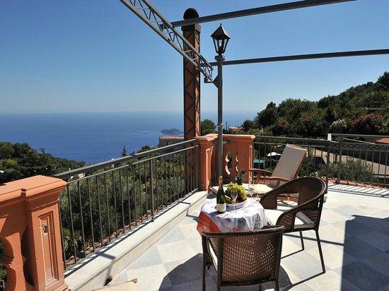 Casa vacanza le due sirene hotel piano di sorrento - Piano casa campania 2018 ...