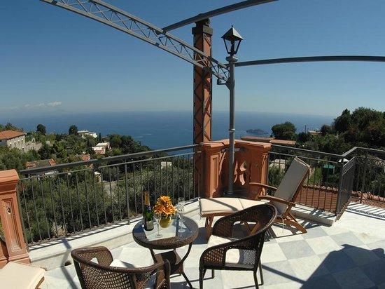 Casa Vacanza Le Due Sirene: terrazzo camera Li Galli