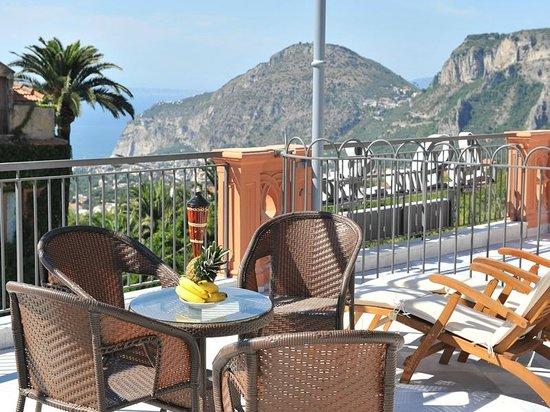 Casa Vacanza Le Due Sirene: terrazzo privato in comune con tutti gli ospiti