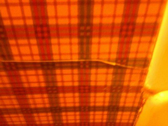 Westgate Smoky Mountain Resort & Spa: peeling wall paper