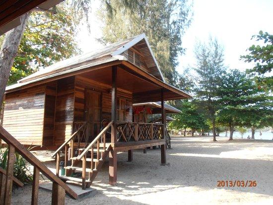 Island View Cabana: seafront bungalow