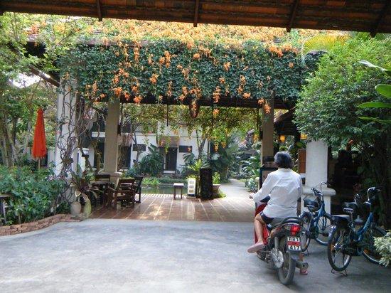 Lanna Dusita Boutique Resort by Andacura: Hotel entrance
