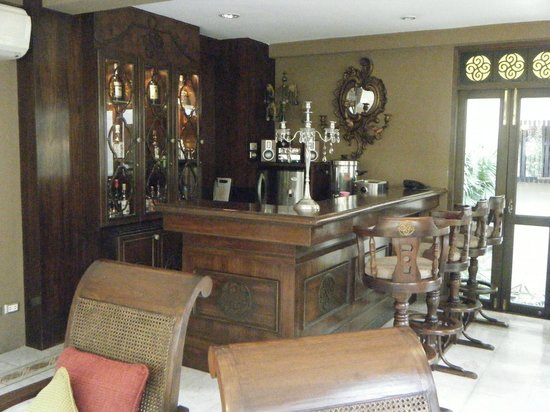 Puripunn Baby Grand Boutique Hotel: bar area