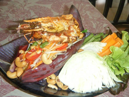 Puripunn Baby Grand Boutique Hotel: som tam for lunch