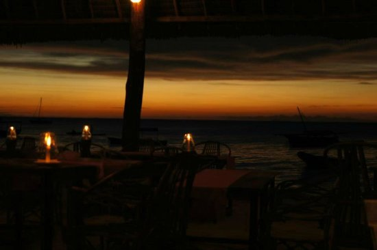 Loca Restaurant Nungwi Zanzibar: Getting dark.