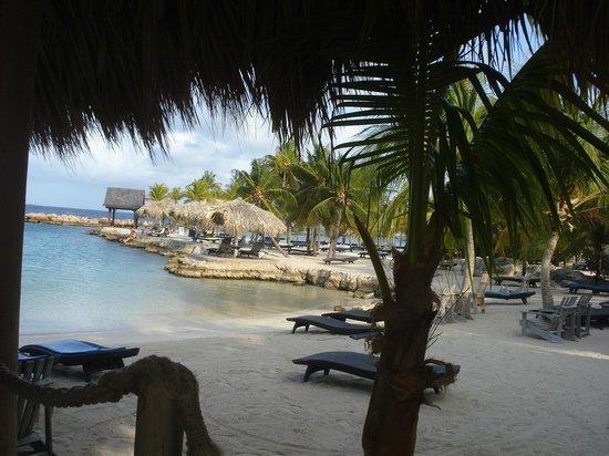 Lions Dive & Beach Resort Curacao: Foto vanaf Hemmingway genomen