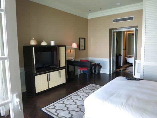Eastern & Oriental Hotel: Room 915