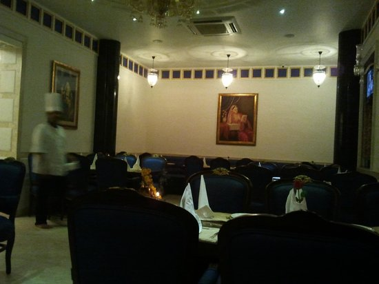 Sai Khandelaa Restaurant & Banquet Hall : Interiors