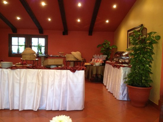 Hotel Longchamps: Breakfast spread at Longchamps