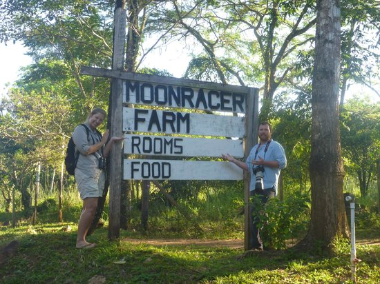 Moonracer Farm Lodging & Tours: Entrance