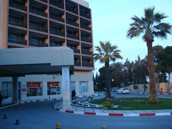 Sheraton Tunis Hotel: entrance