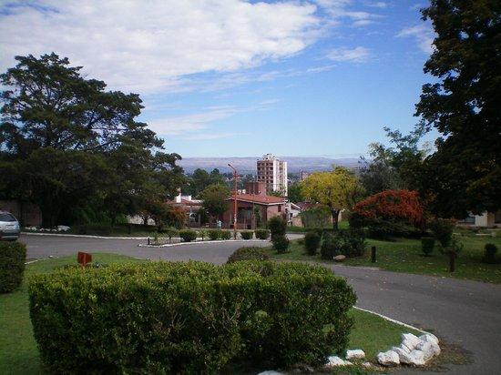 Hotel Pinares del Cerro: Vista desde la entrada