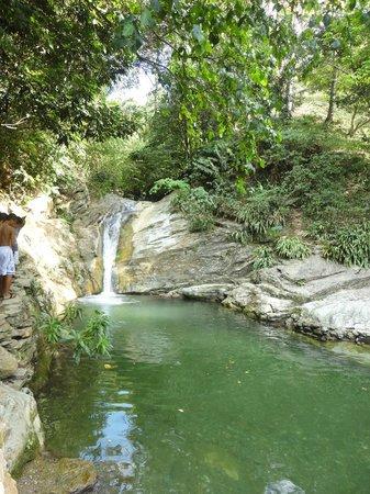Aninuan Falls: Aninian falls