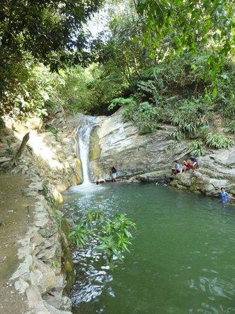 Aninuan Falls