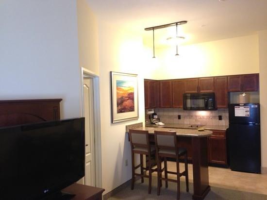 Staybridge Suites El Paso Airport Area: kitchen