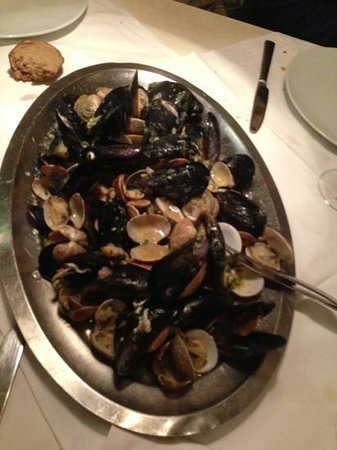 Macondo: gemischte Muschelplatte, super!