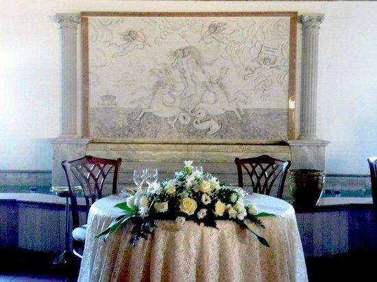 Particolare tavolo degli sposi all 39 interno della sala for Sala degli sposi
