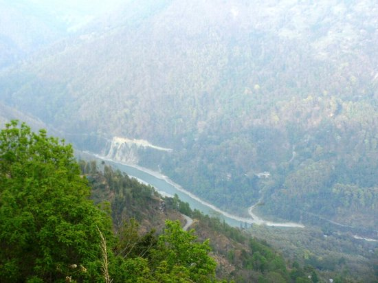 Kanchenjunga Mountain : view of river teesta from chota mangwa