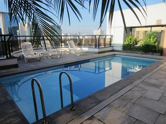 Transamerica Executive Faria Lima : Rooftop pool
