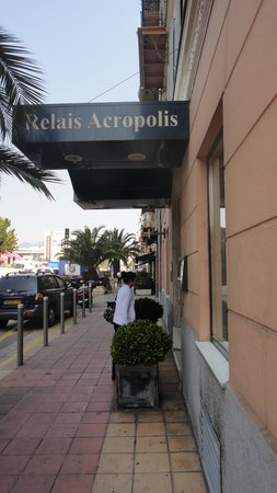 Hôtel Relais Acropolis: Front of building