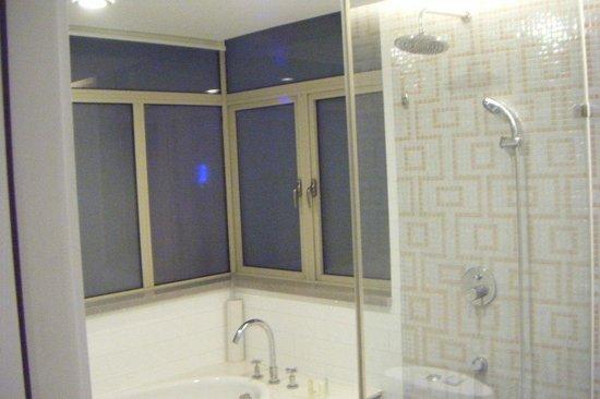 Dorsett Shanghai: la doccia e vasca